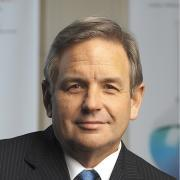 Chad Holliday is a member of the Global Commission on the Economy and Climate